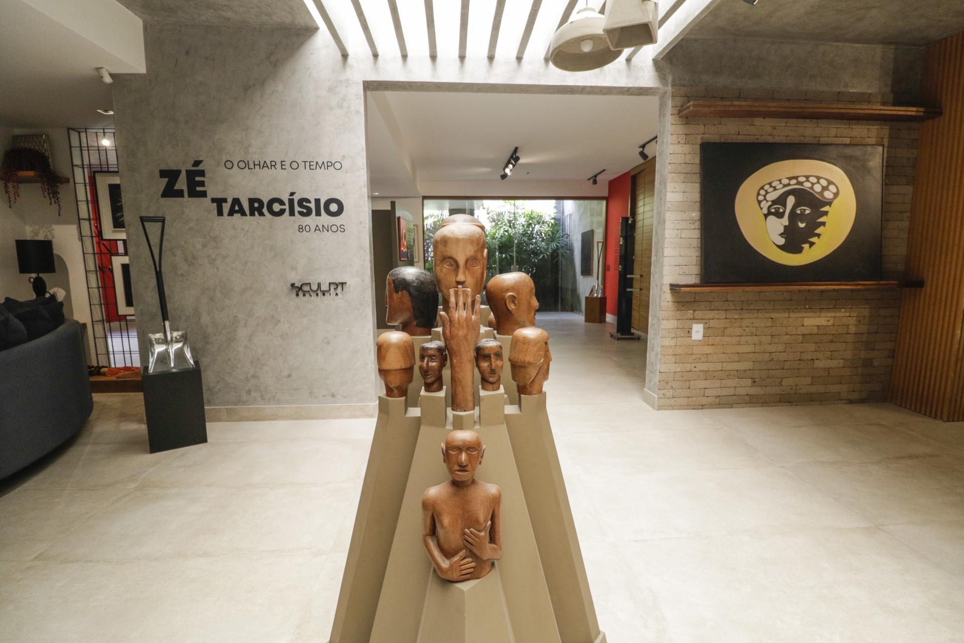 (Foto: Thais Mesquita)FORTALEZA, CE, BRASIL, 26.07.2021: Exposição do Artista Ze Tarcísio na Sculpt Galeria. A galeria fica dentro da loja de decoração Spazio, localizada na Rua Paula Ney, no bairro Aldeota. Entrada do espaço onde esta instalada na exposição de Zé Tarcísio (Thais Mesquita/OPOVO)