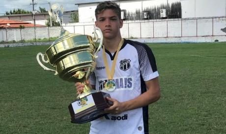 Lucca Holanda atuando pela categoria de base do Ceará, em 2018.