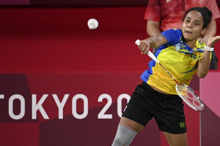 Brasileira Fabiana Silva participa dos Jogos Olímpicos de Tóquio 2020 no badminton (Foto: Alexander NEMENOV / AFP)