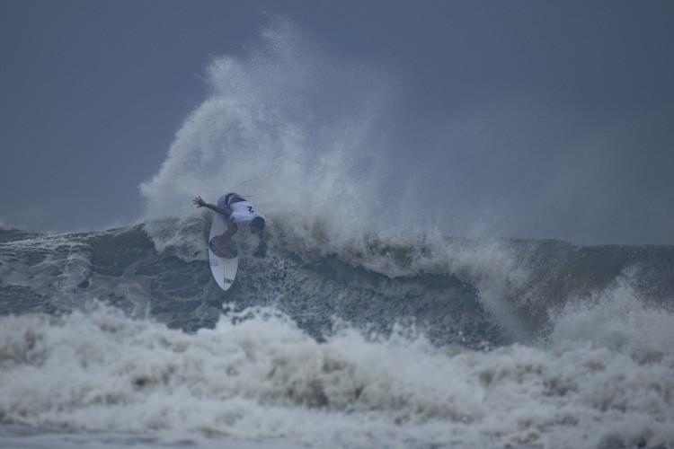 Gabriel Medina ficou em quarto lugar no surfe na Olimpíada de Tóquio; notas do brasileiro geraram revolta na internet (Foto: Olivier MORIN / AFP)
