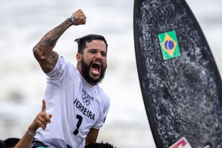 Ítalo Ferreira é ouro em Tóquio e 1º campeão olímpico no surfe (Foto: )