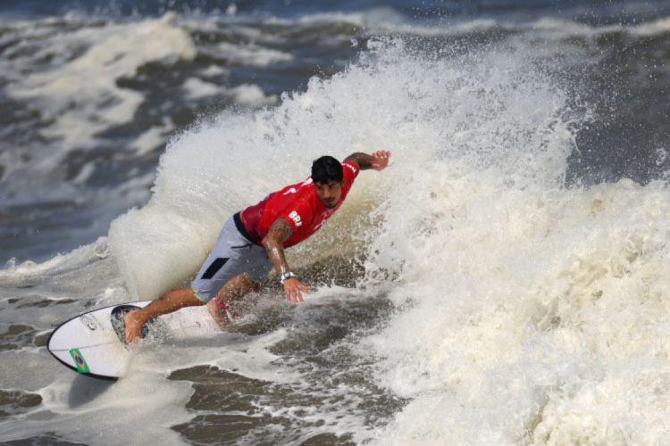 Gabriel Medina ficou em quarto lugar na Olimpíada (Foto: Yuki IWAMURA / AFP)