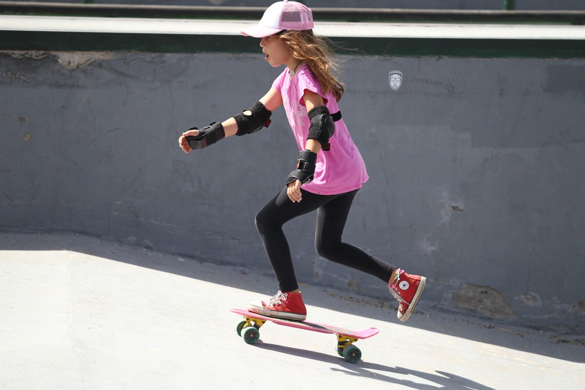 (Foto: FABIO LIMA)Segundo a Federação Cearense de Skate, existem cerca de 40 pistas de skate (como a que Tereza Lara treina) espalhadas pelo Ceará, de acordou com um levantamento de 2020