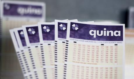 Quina realizou sorteio do Concurso 5618 na noite de hoje, quinta-feira, 29 de julho, (29/07). Prêmio está acumulado em R$ 3,2 milhões