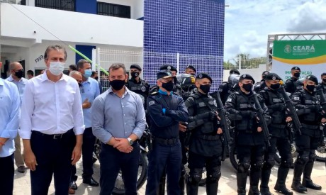 O governador Camilo Santana inaugurou base do Raio em Itaitinga