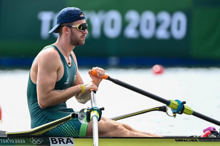 O brasileiro Luca Verthein foi eliminado na semifinal da canoagem 1000 metros nas Olimpíadas de Tóquio (Luis ACOSTA / AFP) (Foto: Luis ACOSTA / AFP)