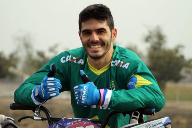 O brasileiro Renato Rezende avançou às semifinais do ciclismo BMX nas Olimpíadas de Tóquio (Foto: Divulgação/CBC)