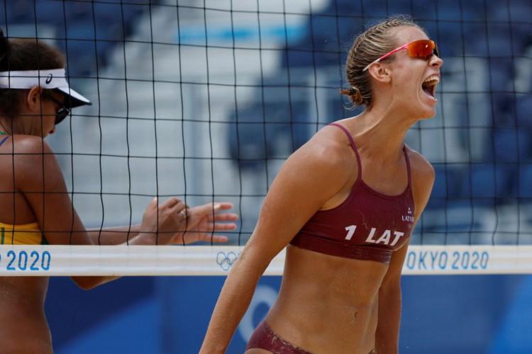 Vôlei de praia: Ana Patricia e Rebecca perdem para dupla da Letônia (Foto: )