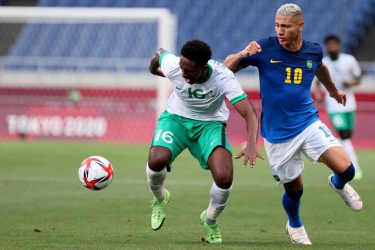 Brasil venceu a Arábia Saudita por 3 a 1 (Foto: Ayaka Naito / AFP)