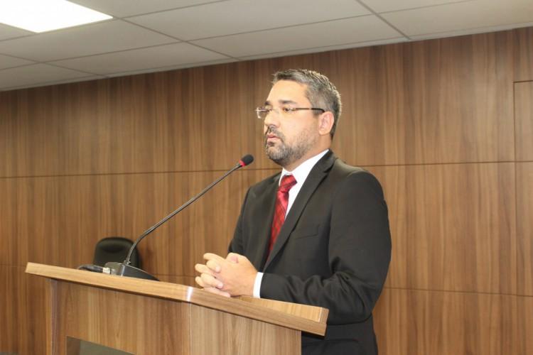 O advogado Sávio Aguiar encabeça grupo de oposição ao atual presidente da OAB-CE, Erinaldo Dantas (Foto: CAACE/DIVULGAÇÃO )