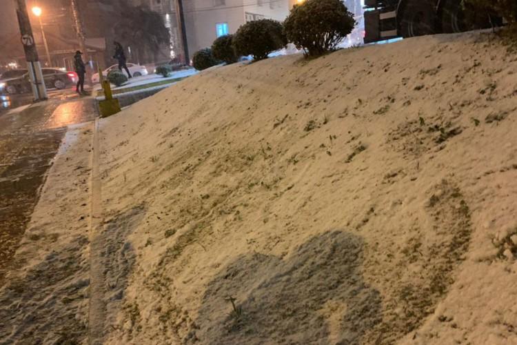 Cidades do Rio Grande do Sul registram neve nesta quarta-feira  (Foto: )