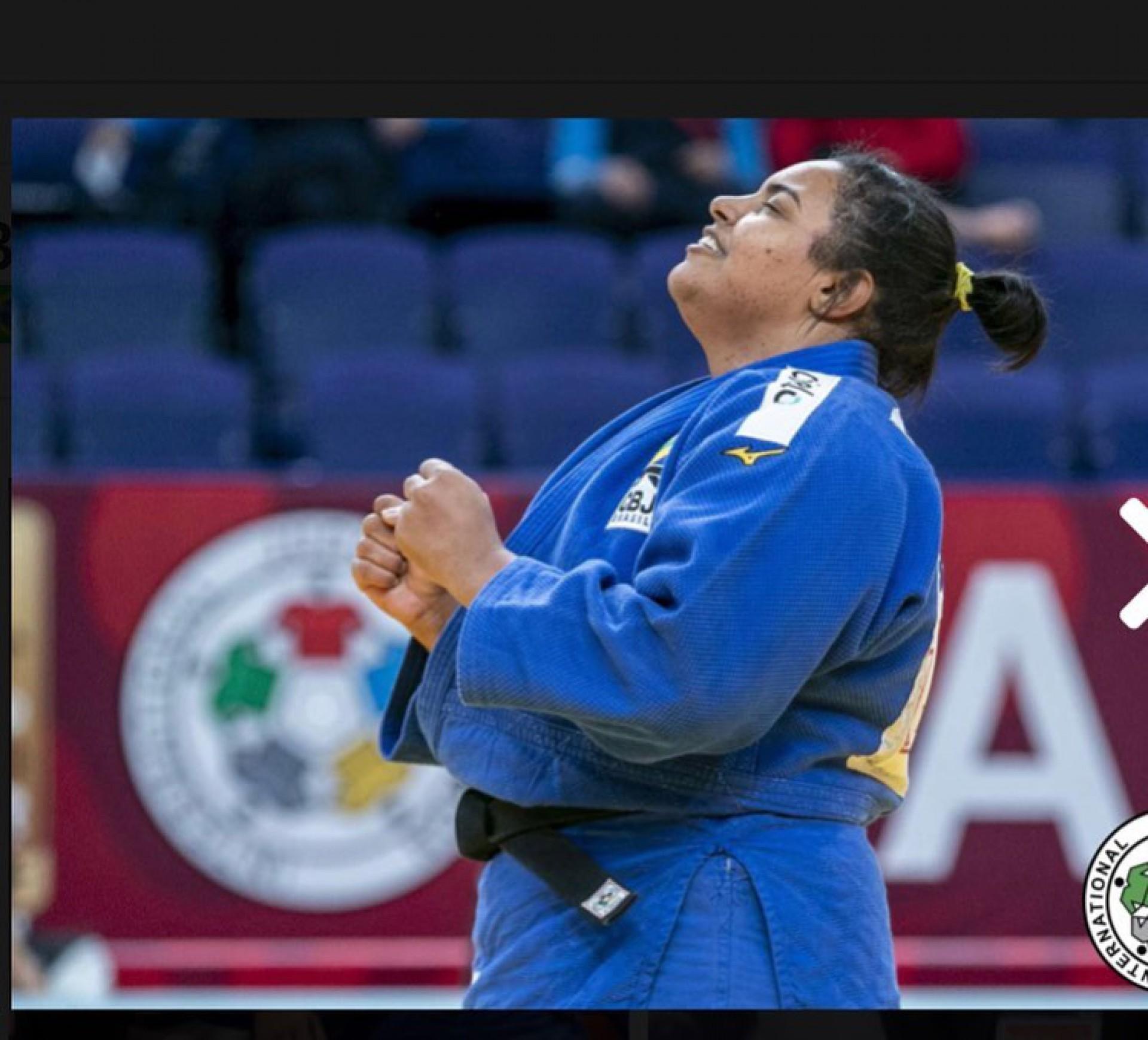 Maria Suelen Altheman estreou diante da atleta Anamari Velenek, da Eslovênia