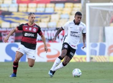 Entre os jogos de hoje, domingo, 1° de agosto, Corinthians e Flamengo se enfrentam pelo Brasileirão.