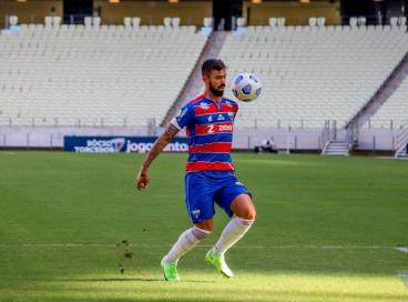 Meia Matheus Vargas será titular do Fortaleza no jogo desta quarta-feira diante do CRB-AL, pela Copa do Brasil 2021; veja como assistir à transmissão ao vivo e a provável escalação