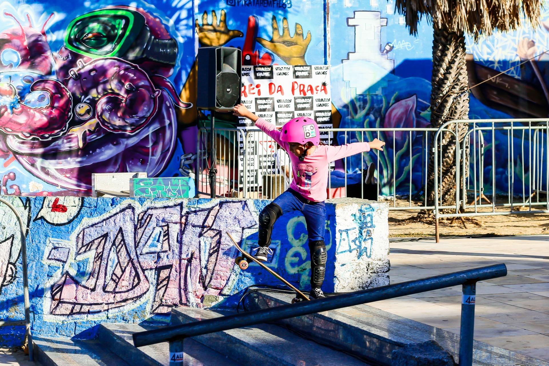 A Rede Cuca oferece aulas gratuitas de skate em Fortaleza (Foto: Suzana Campos/ Rede Cuca)