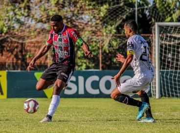 Ferroviário propôs jogo, mas não conseguiu furar bloqueio do Botafogo-PB