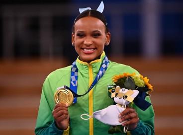 A brasileira Rebeca Andrade participou da final do solo na segunda-feira, 2.