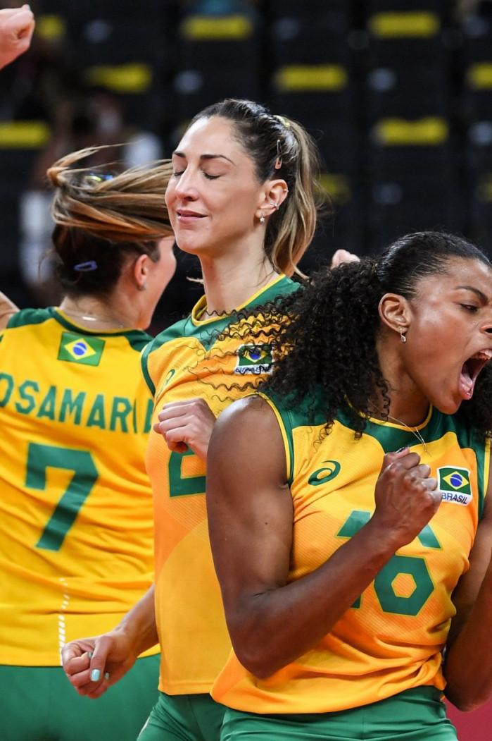 Brasil vence Coreia do Sul e faz final com Estados Unidos no vôlei feminino em Tóquio 2020 (Foto: YURI CORTEZ / AFP)