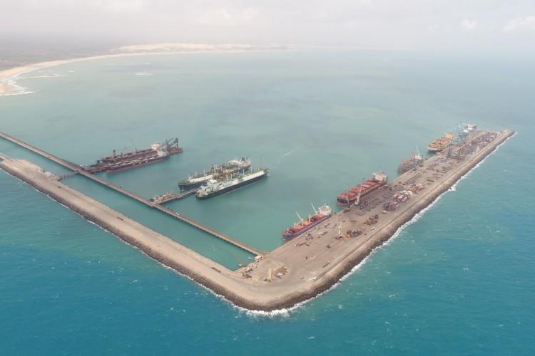 PECEM EM JULHO DE 2021, TERMINAL TEMUT; ATIVIDADES DO COMPLEXO INDUSTRIAL PORTO DO PECEM. Área do terminal de regaseificação do Complexo do Pecém (Fofo Divulgaçao)