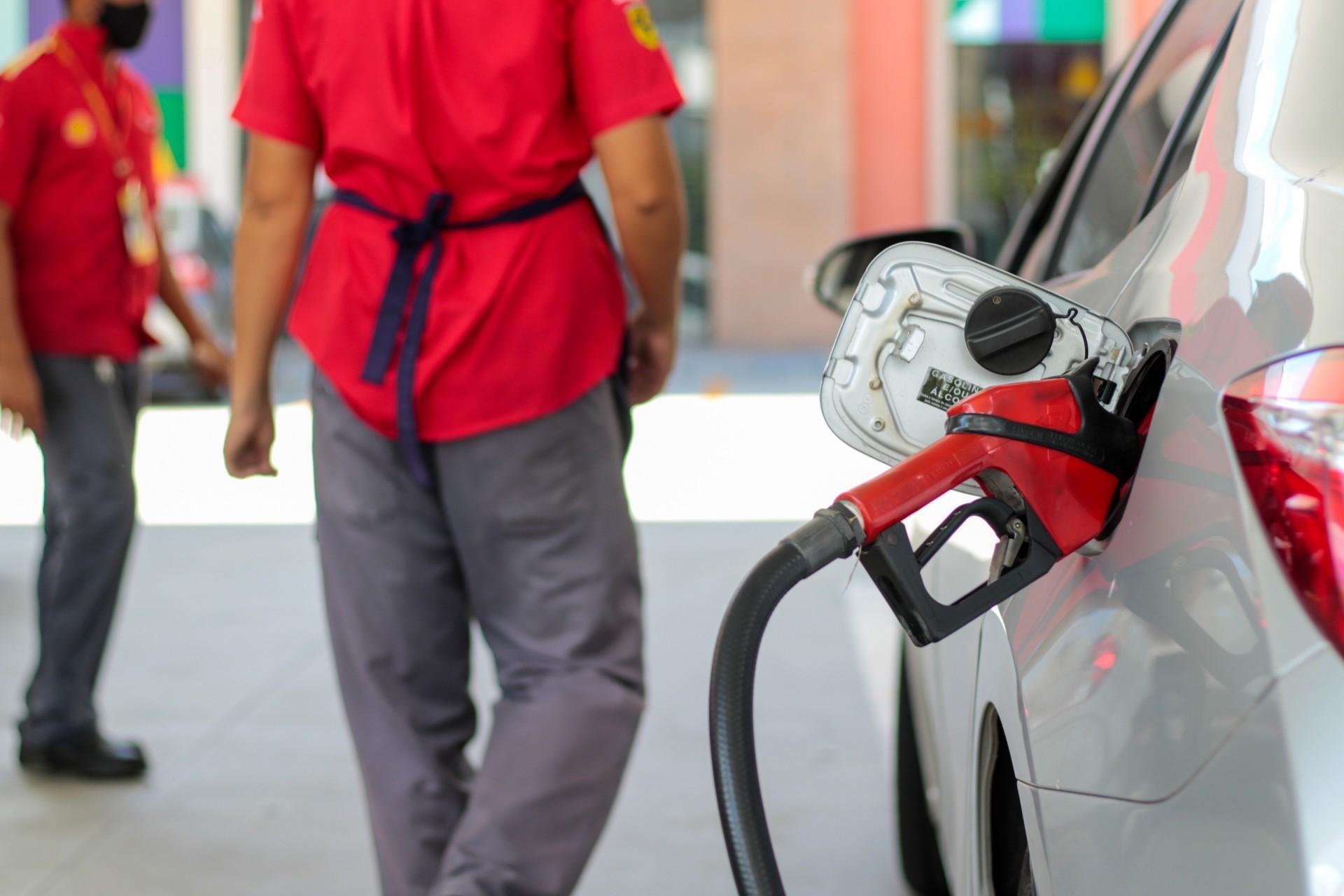 Gasolina tem preço médio próximo a R$ 6 no Ceará  (Foto: Barbara Moira/O POVO)