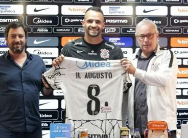 Renato Augusto usará a camisa 8 no Corinthians