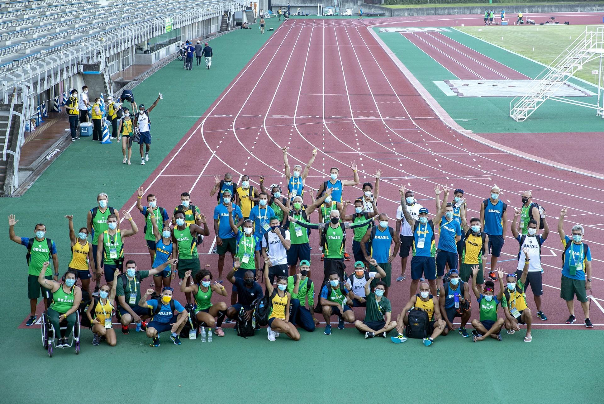 E o Brasil arrasa nas Paralimpíadas! Está no top 10 por 3 edições consecutivas. Atingiu o 7º lugar em Londres 2012.
