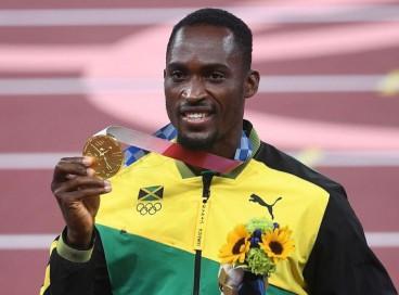 Hansle Parchment conseguiu o ouro nos 110 metros com barreiras, na Olimpíada de Tóquio, após pegar ônibus errado e quase perder disputa da semifinal