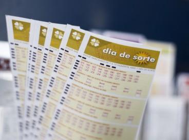 O resultado do Dia de Sorte, Concurso 524 será divulgado hoje, quinta-feira, 28 de outubro (28/10). O prêmio está estimado em R$ 500 mil