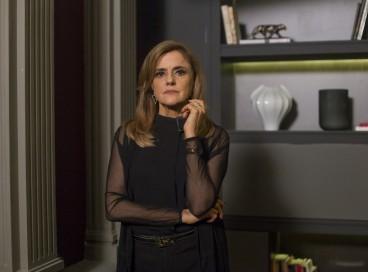 Marieta Severo interpreta Fanny Richards em Verdades Secretas; confira que horas e onde assistir ao vivo à novela hoje, segunda-feira, 27 de setembro (27/09)