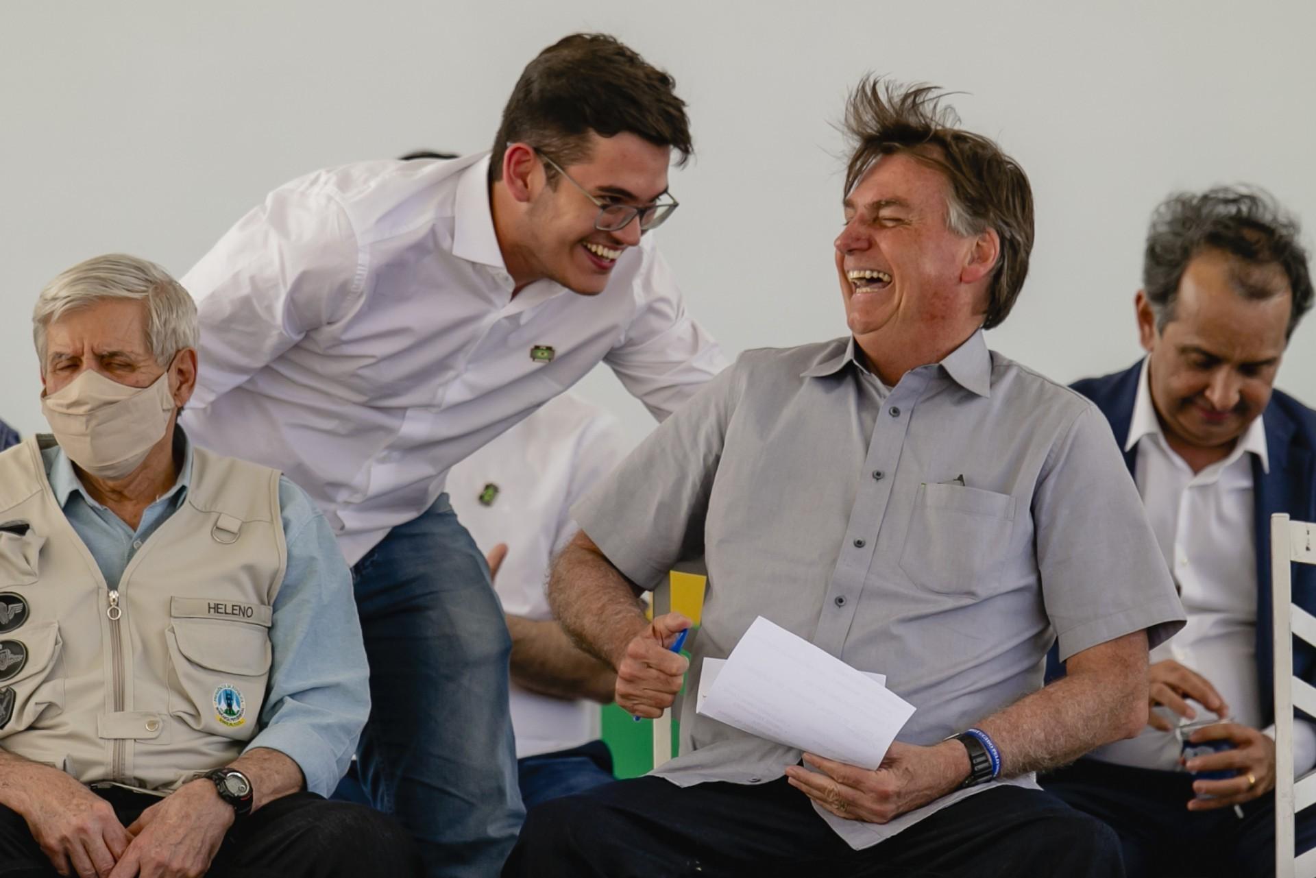 Carmelo Neto com o presidente Bolsonaro na visita ao Cariri