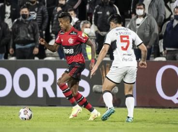 Na ida, Flamengo goleou o Olimpia por 4 a 1, em Assunção