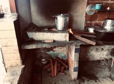 Os alimentos eram preparados no mesmo local em que os homens dormiam