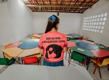 FORTALEZA-CE, BRASIL, 19-08-2021: Escola Indígena ABA Tapeba da Caucaia se prepara para o retorno das aulas.  SAlas vazias aguardam o retorno dos alunos (Foto: Júlio Caesar / O Povo)
