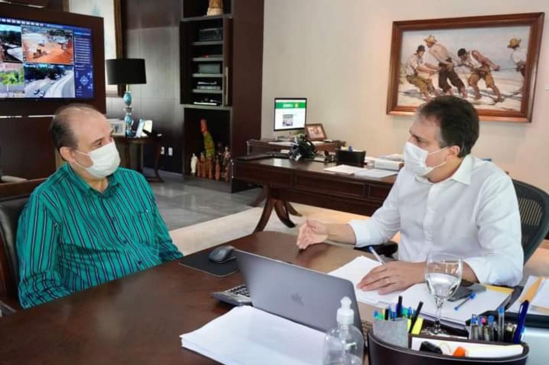 Camilo Santana recebe o novo secretário Marcos Gadelha (Foto: DIVULGAÇÃO)
