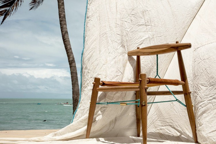 Obras de Leonardo Ferreira integram a área de mobiliário