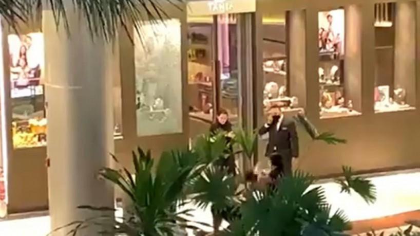 Cenas foram registradas por pessoas que estavam no shopping(foto: Via WhatsApp O POVO)