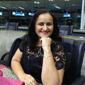 Olga Maria de Alencar é enfermeira sanitarista, mestra em Saúde Pública, doutoranda em Saúde Coletiva pela Universidade Estadual do Ceará (Uece) e feminista vinculada ao Instituto Casa Lilás.