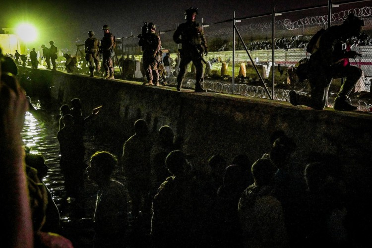 Aeroporto de Cabul foi palco do mais recente atentado terrorista promovido pelo EI-K(Foto: WAKIL KOHSAR / AFP)