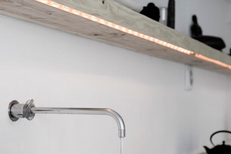 Fita de LED em bancada