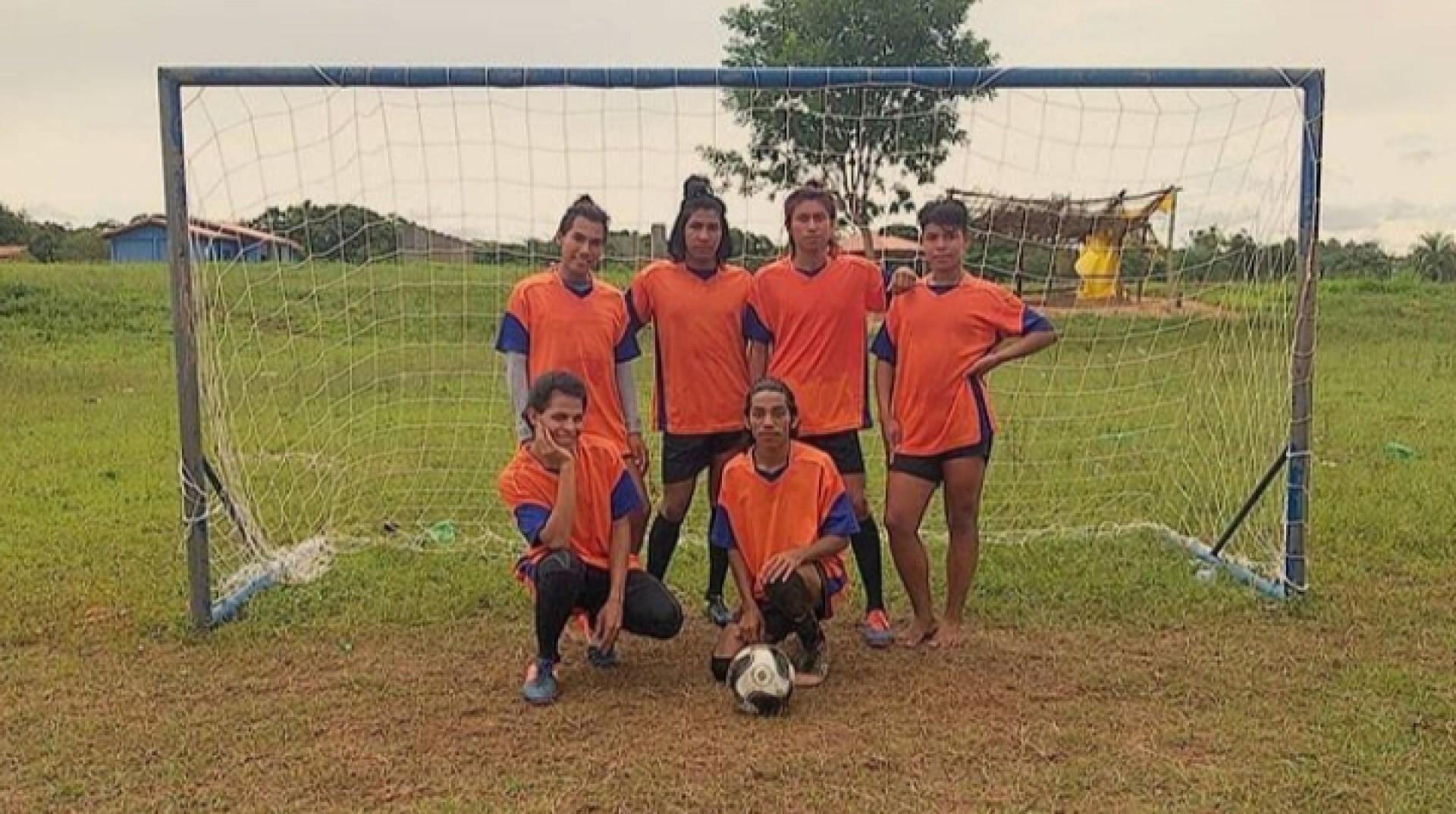 Time indígena gay e a potência do futebol como ferramenta de afirmação