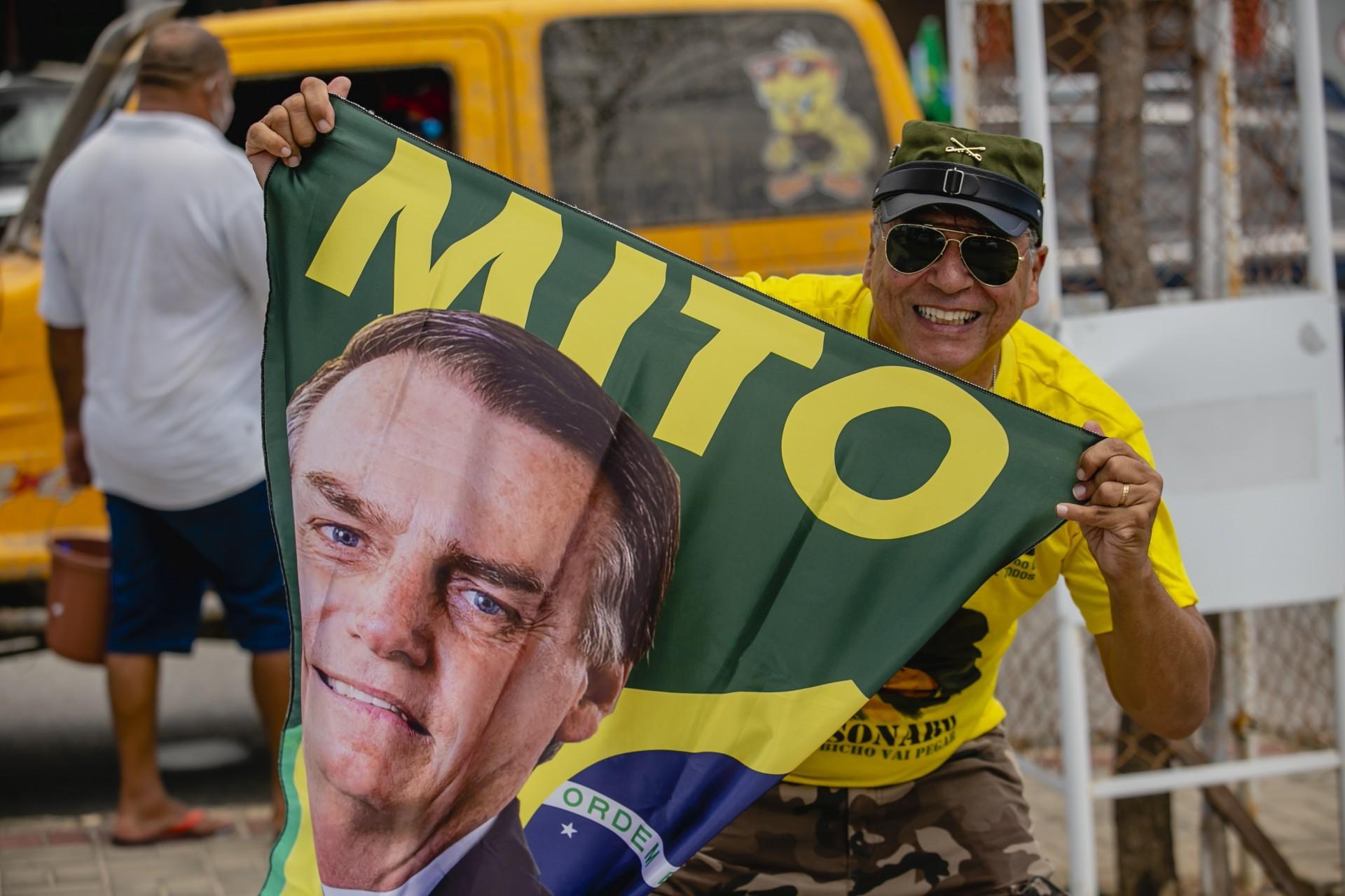 Base de Bolsonaro não o abandonará, pois não tem opção