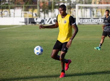 Cléber está na lista de jogadores pendurados do Ceará