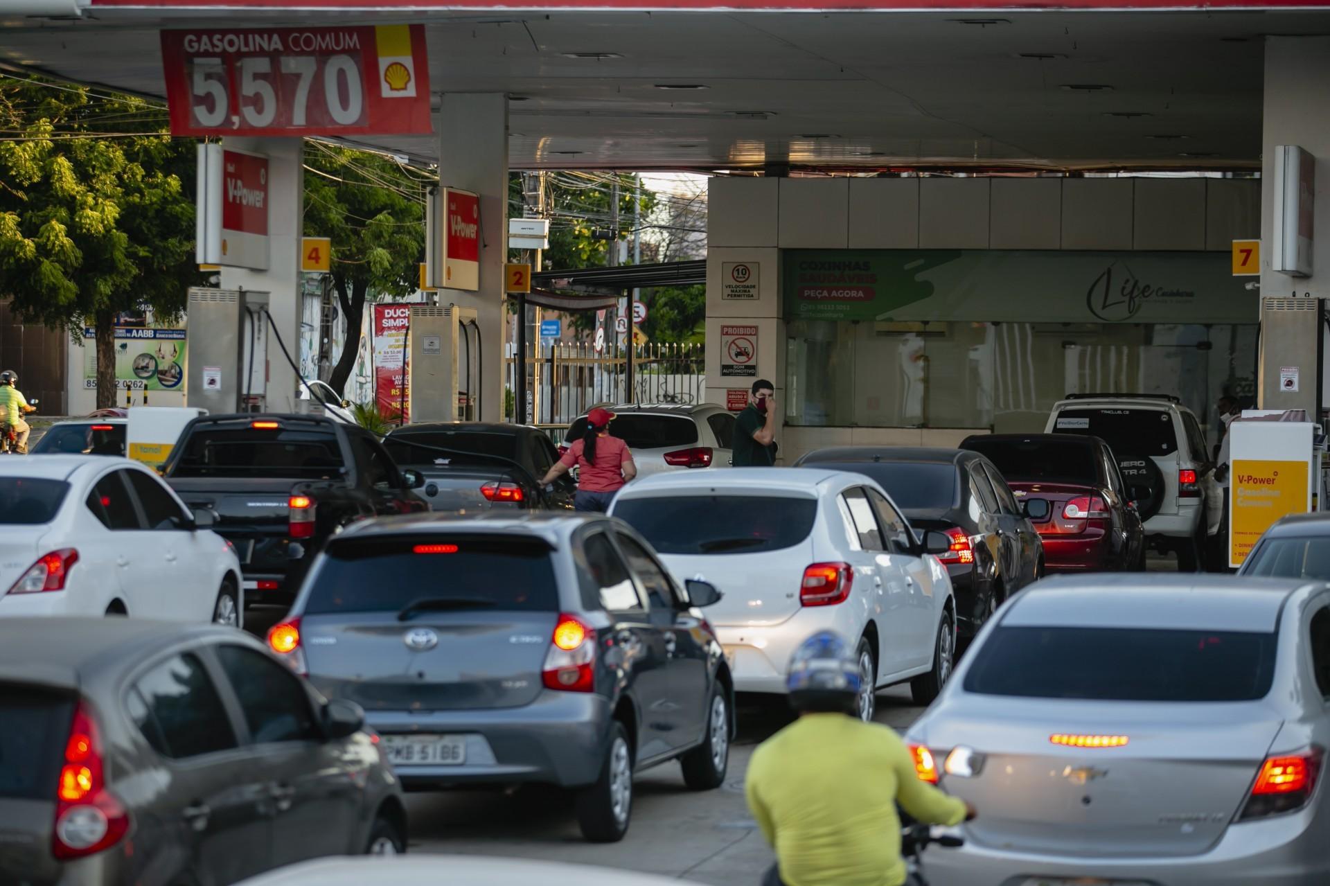 Mudança no ICMS: gasolina cairia só R$ 0,34