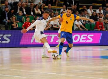 O Brasil é o maior campeão da Copa do Mundo de Futsal com 7 títulos e estreia na segunda, 13, contra o Vietnã; confira onde assistir ao vivo, tabela de programação de jogos e horário