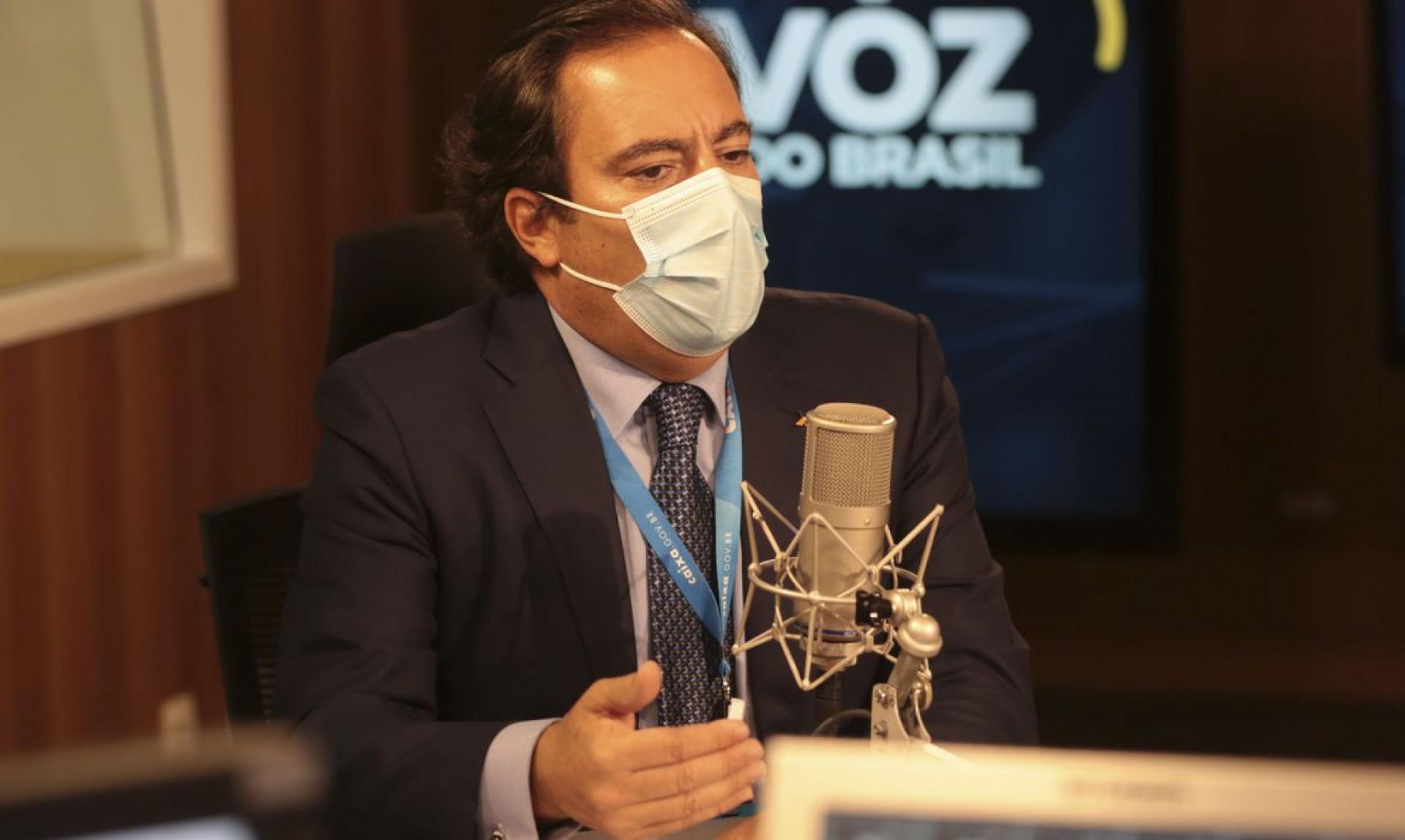 O presidente da Caixa Econômica Federal, Pedro Guimarães, participa do programa A Voz do Brasil (Foto: Valter Campanato/Agência Brasil)