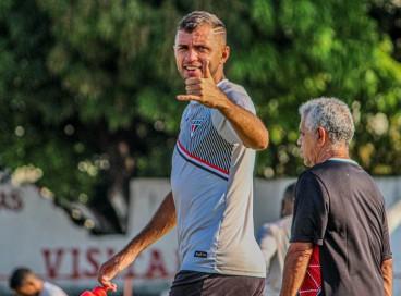 Cariús chegou a 36 gols com a camisa do Ferroviário, ao todo