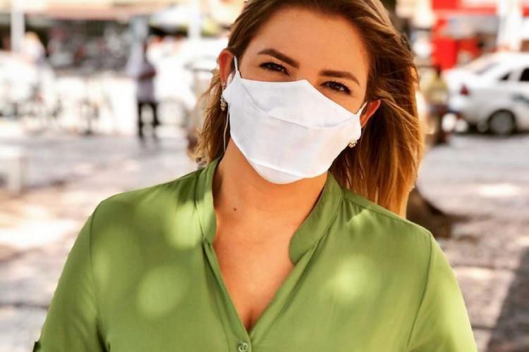 Repórter Marina Alves recebe doação de medula óssea