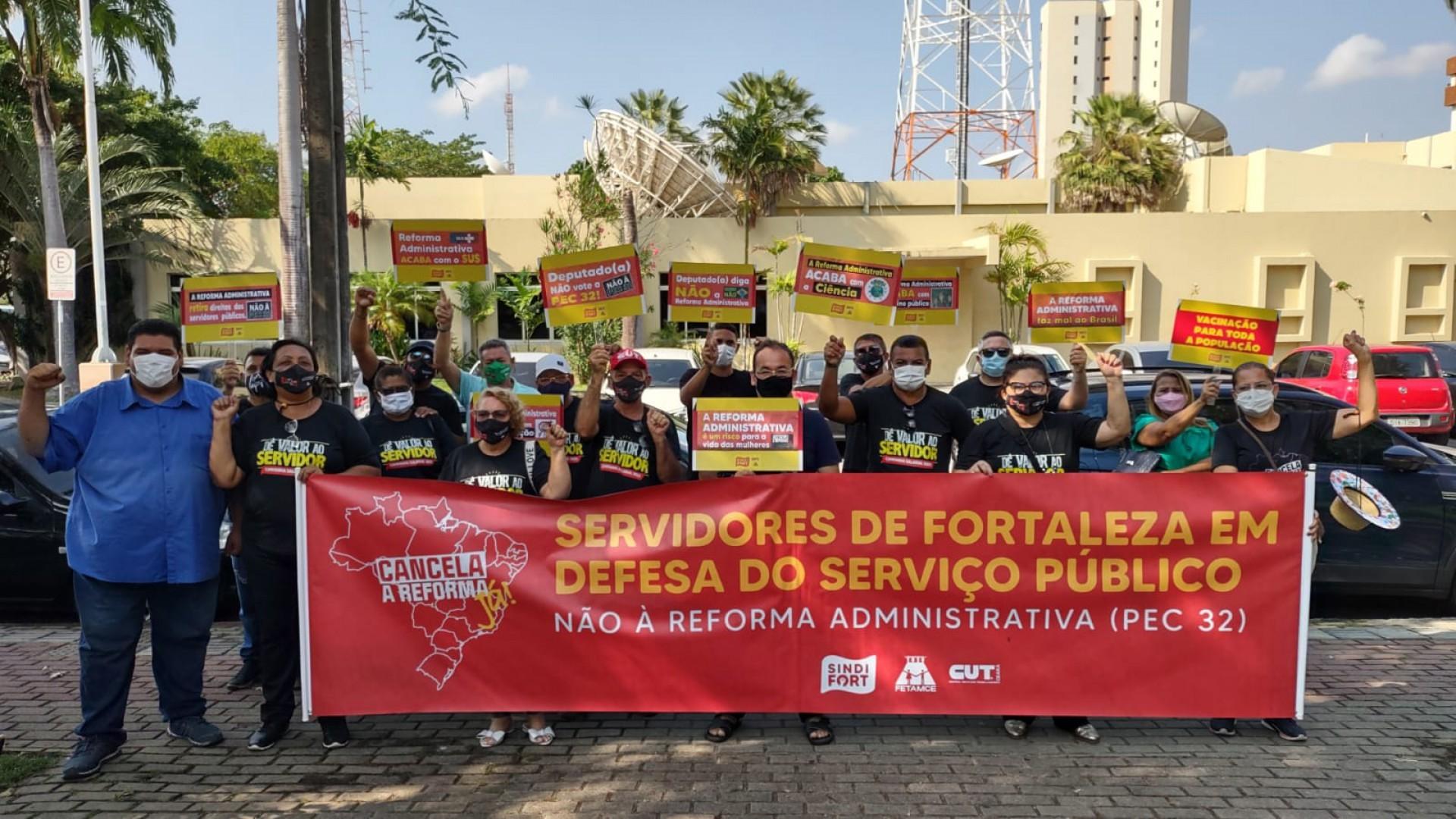 Ato na Praça da Imprensa (Foto: Divulgação)