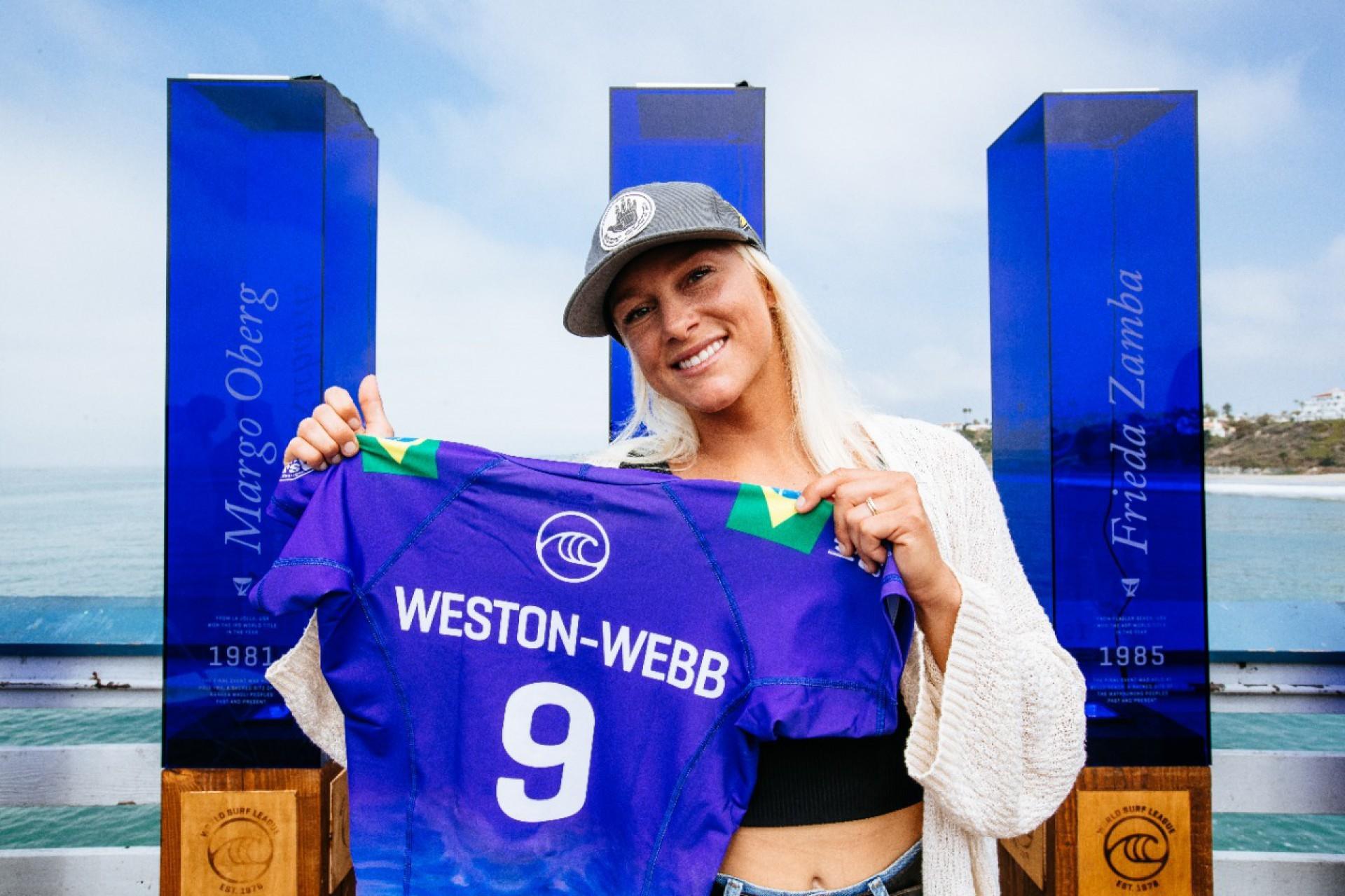 Tatiana Weston-Webb ficou com o vice após ser derrotada por Carissa Moore no WSL Finals de surfe (Foto: © WSL / Diz SOCIAL : @wsl @thiagodiz)