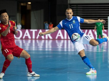 Brasil e República Tcheca se enfrentam hoje, quinta, 16, pela Copa do Mundo de Futsal; confira onde assistir ao vivo à transmissão do jogo, horário, provável escalação e últimas notícias